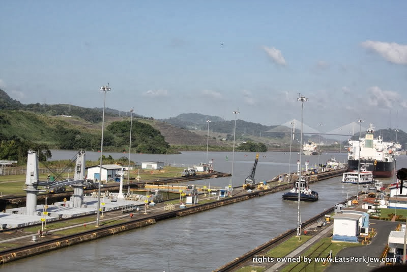watching-a-boat-just-leaving-the-miraflores-locks