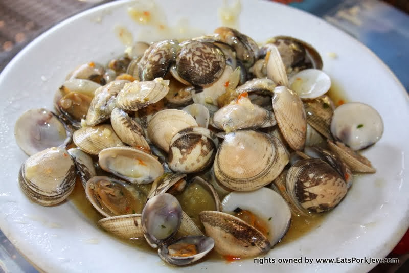 food-photography-clams-in-garlic-side-mi-ranchito