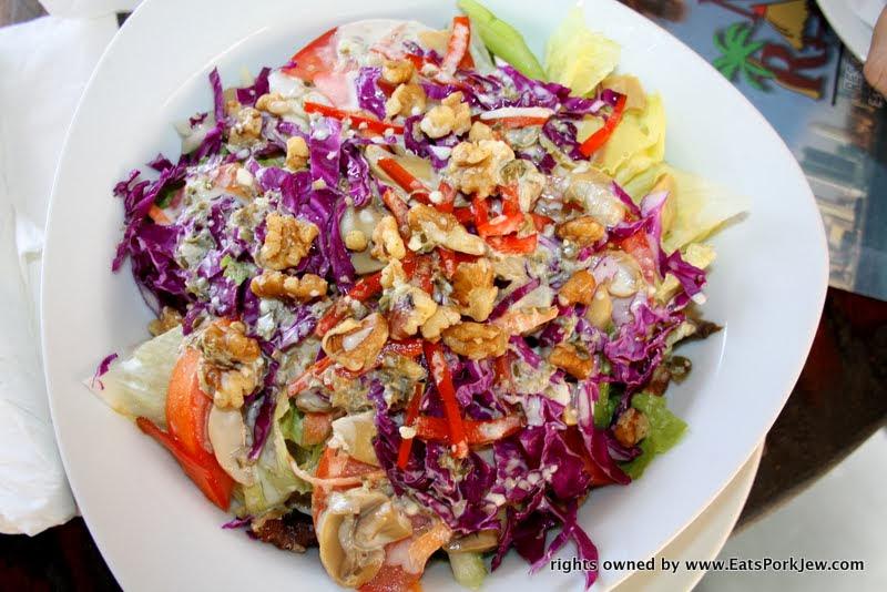food-photo-mushrom-walnut-salad-mi-ranchito-restaurant-panama-city